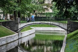 ©Дмитрий Жеребцов | Арочный вход в парк