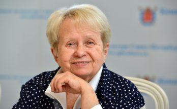 Алексадра Пахмутова отмечает день рождение