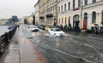 Набережная Санкт-Петербурга 8 августа