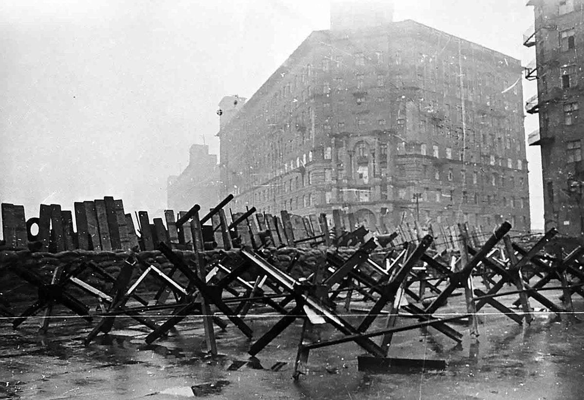 Великая Отечественная война — в Москве объявлено осадное положение