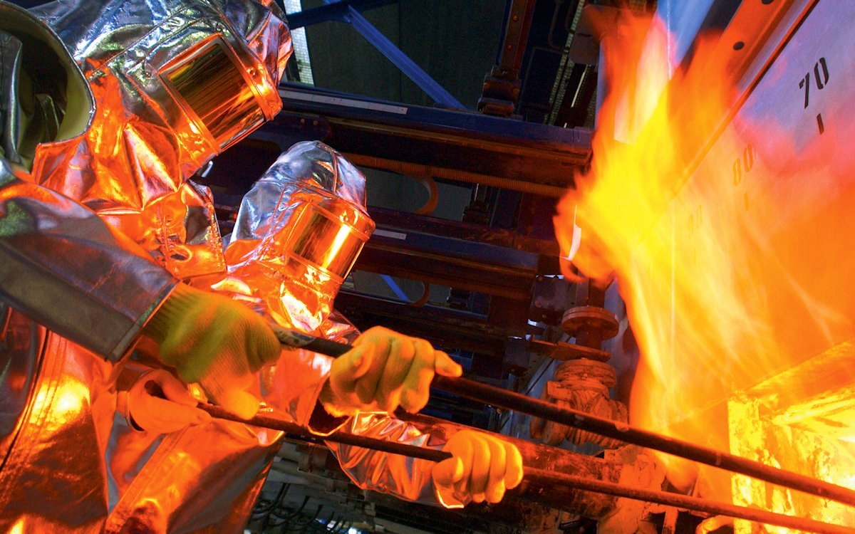 Поздравляем работников стекольной промышленности с профессиональным праздником
