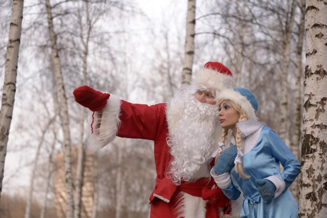 Добрый волшебник Дед Мороз и красавица Снегурочка
