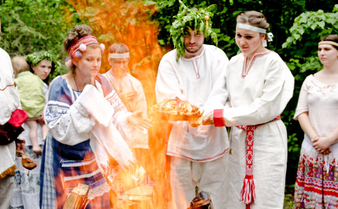 """Традиция свадьбы на """"Красную горку"""" идет от наших предков"""