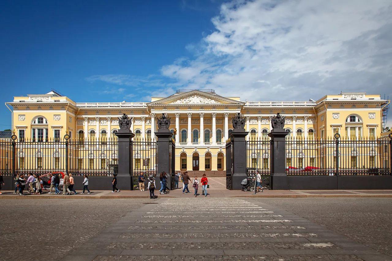 Музеи России откроют парковые пространства для посетителей с 16 июня