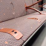 Новые комфортные сиденья с индивидуальной зарядкой гаджетов