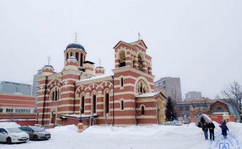 Храм расположен на территории больницы им. С.П. Боткина