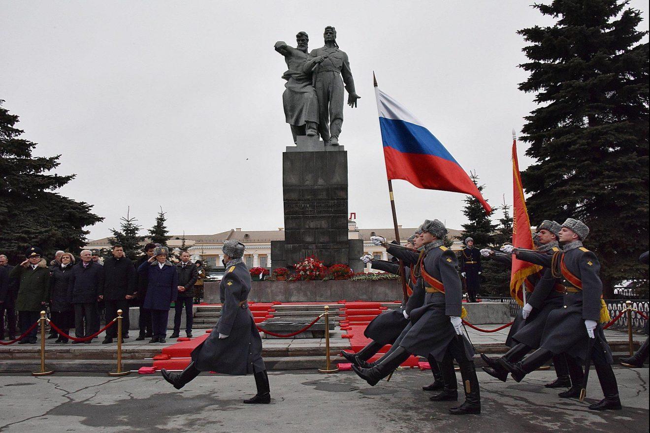 Подвиг народа в Великой Отечественной Войне нам не затыть никогда