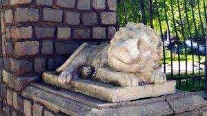Лев-привратник